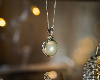 Mabe Pearl Exclusive Pendant / White, Pink, Blue Mabe Pearl / 925 Sterling SIlver / Fine Quality