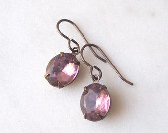 Light Amethyst Rhinestone Earrings / Vintage Glass Jewel / Estate Style / Pale Purple Vintage Jewel Earrings / Vintage Jewelry