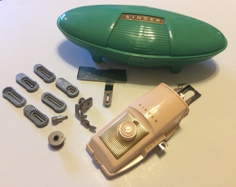 Vintage Singer 1960 Buttonholer