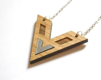 Wooden geometric chevron necklace, silver color, modern minimal chic style, art deco inspiration, natural wood, made in France, trendy jewel