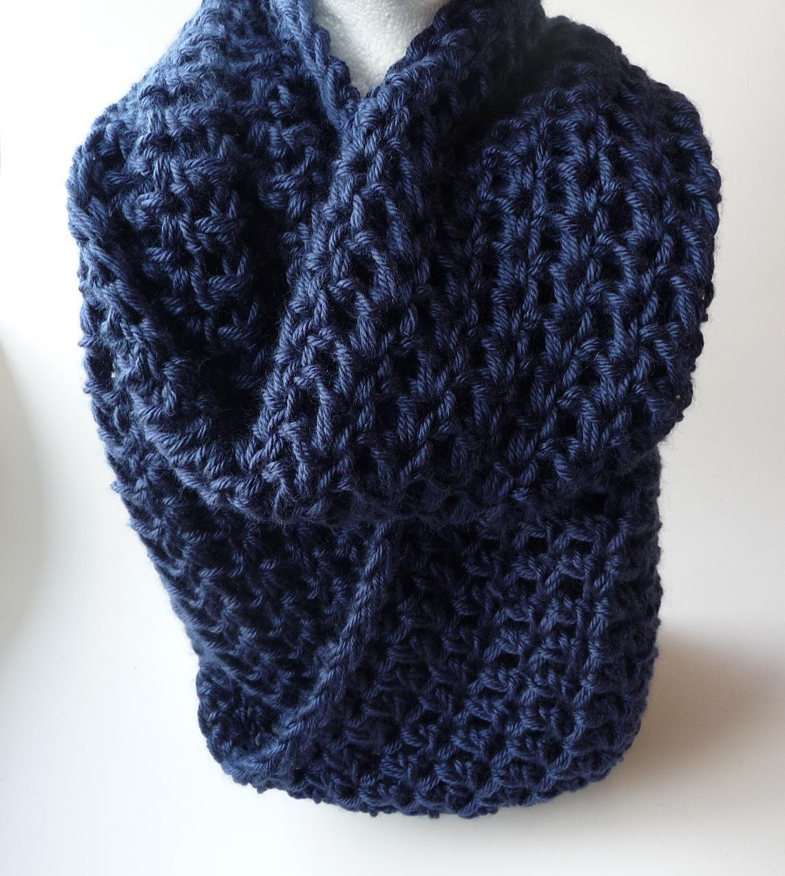 Crochet infinity scarf pattern crochet cowl scarf pattern zoom bankloansurffo Image collections