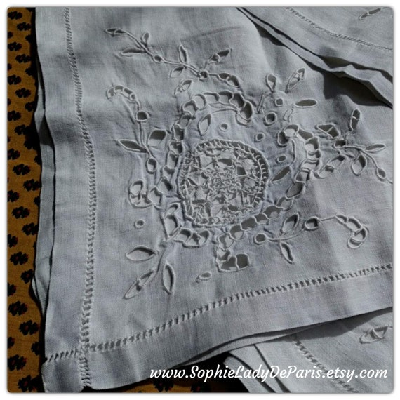 Antique White Linen Tea Tablecloth Handmade Hand Embroidered Cut Outs Ladder Work Guipure Lace #sophieladydeparis