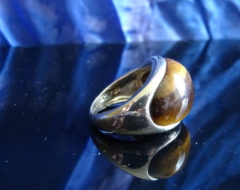 A beautiful tiger eye silver ring