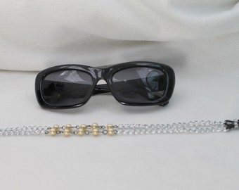Classic Pearl and Silver Link Glasses Chain CLRL8