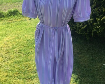 1970s Lilac striped Shirt dress with belt - size 12-14