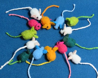 Felted miniature mouse pin