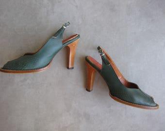 vintage 1940s peep toe mary jane heels / 40s 30s green leather high slingback heels / 1930s pumps shoes / size 8 9 au us 39 40 eur 6 7 uk