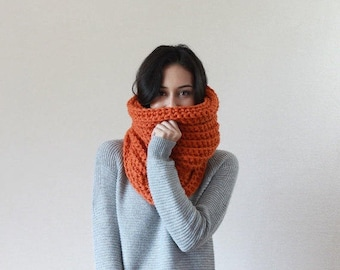 The Bordeaux - PUMPKIN // Chunky Knit Cowl Ribbed Textured Neckwarmer