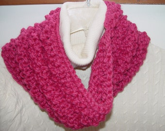 Hand Knit Cowl/ Infinity Scarf/Circle Scarf/ Chunky Knit Rasberry/Pink