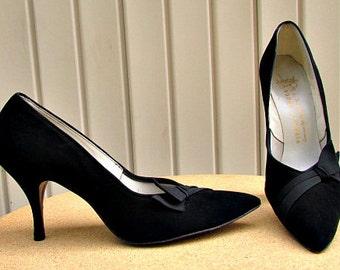 vintage 50s black suede heels bow detail pointed toes metal toe taps
