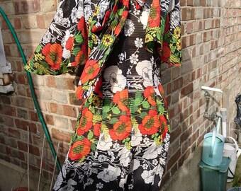 Vintage ladies floral tie- front  dress