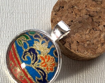 Floral Pattern Round Pendant, Silver and Glass Pendant Necklace
