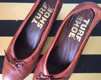 Vintage 1970s Turf Shoe Women's Leather Pumps Smaller Size Not Listed Check Info