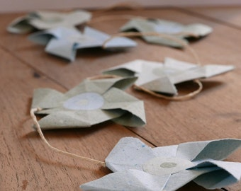 Garland of mills in paper - blue/green
