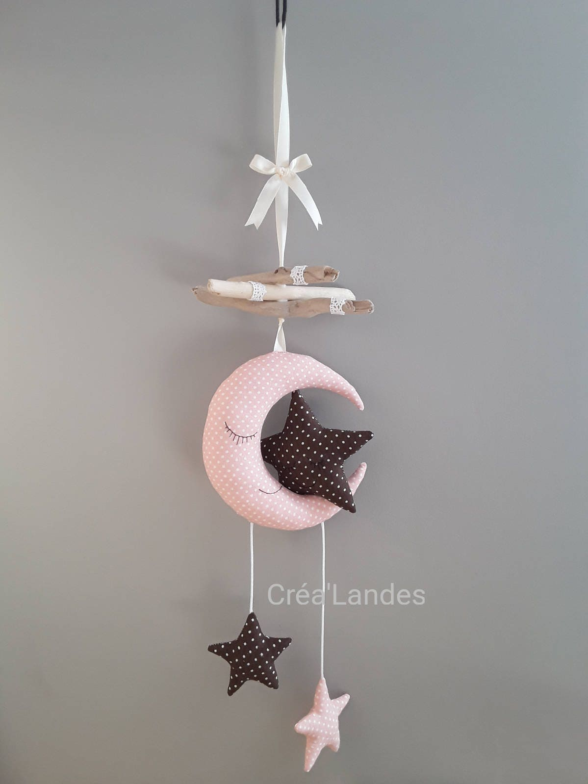 mobile enfant b b bois flott lune toile d coration chambre. Black Bedroom Furniture Sets. Home Design Ideas