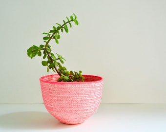 Neon pink rope bowl / Nursery basket / Plant pot cover / Neon pink decor / Mediterranean style / Nordic rope bowl / Scandinavian nursery