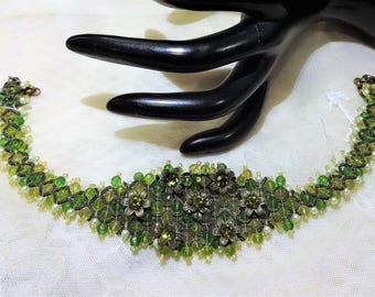 Vintage Shades of Green Glass Bead and Faux Pearl Floral Choker