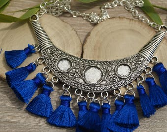 Necklace plastron and tassels