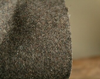 WOOL FABRIC / CASHMERE / pure wool / brown / italian wool  / wool remnant / runningthreads
