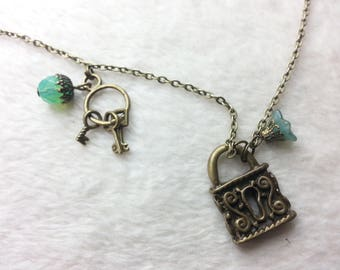 Bronze metal necklace green mystery