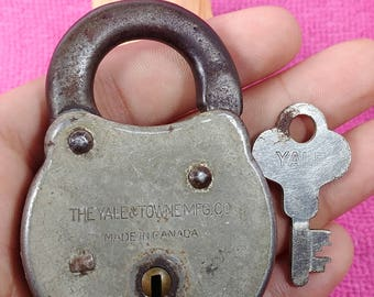 Antique Yale & Towne MFG Co. Padlock Made in Canada with Working key