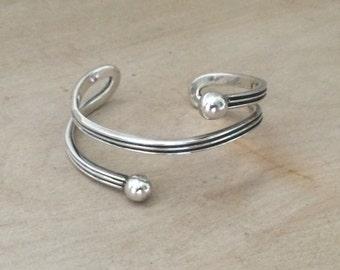 Vintage Sterling Silver .925 Modernist Cuff Bangle Bracelet 6.5 inches