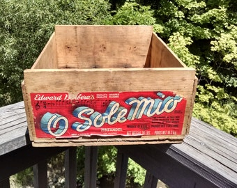 Vintage Wood Wine Crate /O Sole Mio Wood Crate / Wooden Grapes Crate / Zinfandel Wood Crate / Rustic / Industrial / Wine Crate / Salvage