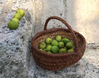 Adorable antique french basket in wicker / cane / rush / straw, ideal for eggs or fruit picking. French traditional old basket.