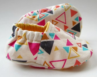 Reversible Baby Booties in White Geometric and Sunflower Yellow - Sizes 1-4