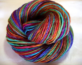 Handspun merino yarn, single yarn, rainbow yarn, light worsted weight, crocheting yarn, KINGFISHER 2, 3.5oz/228yds, 100g/205m, 100% wool