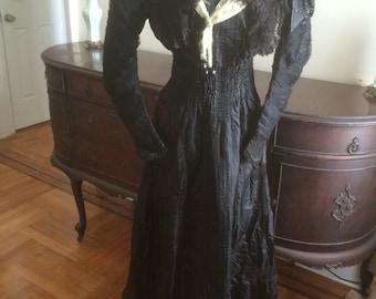 Victorian edwardian antique silk dress    Museum
