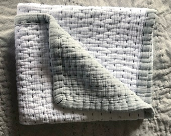 Gray & White Farmhouse Baby Quilt, Muslin Hand Stitched Reversible Baby Blanket, Crib Bedding, Gender Nuetral