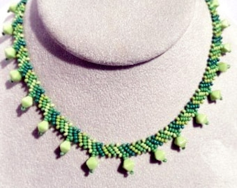 Woven Beaded Green Choker with Diamond Shaped Accents