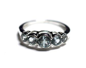 N122 - 925 sterling silver ring and stone - round Blue Topaz shades 2.5 - 4. 5 mm