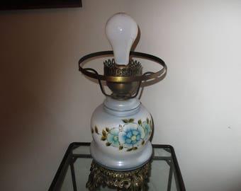 Vintage Electric Hurricane/GWTW Table Lamp