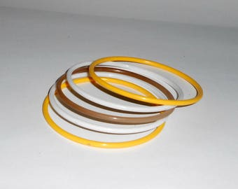 Brown Bangle, White Bangle, Yellow Bangle, Set of 5 Thin Bracelets, Lucite, Simple Minimal - Q726