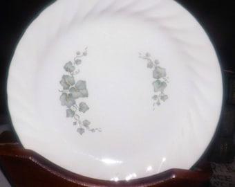 Vintage (1995) Corelle Corning USA Callaway salad plate. Green leaves, ivy, green rim.