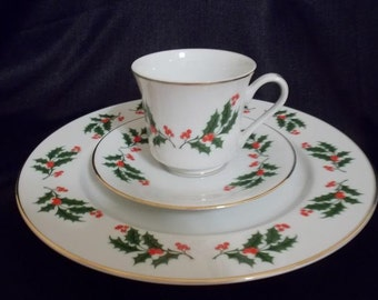 Fine China of Japan Porcelain Christmas Holly and Berry Place  Setting