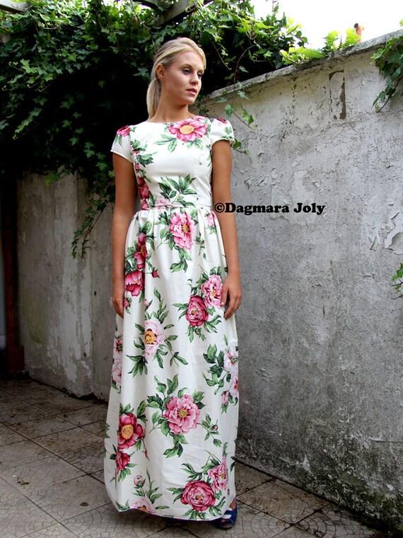 Kappe Hülse Maxi geblümten Kleid bodenlang aus weißen Blumen