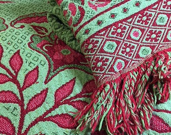 Large Vintage Throw Couch Sofa Boho Living Reversible Red/Green Fringed