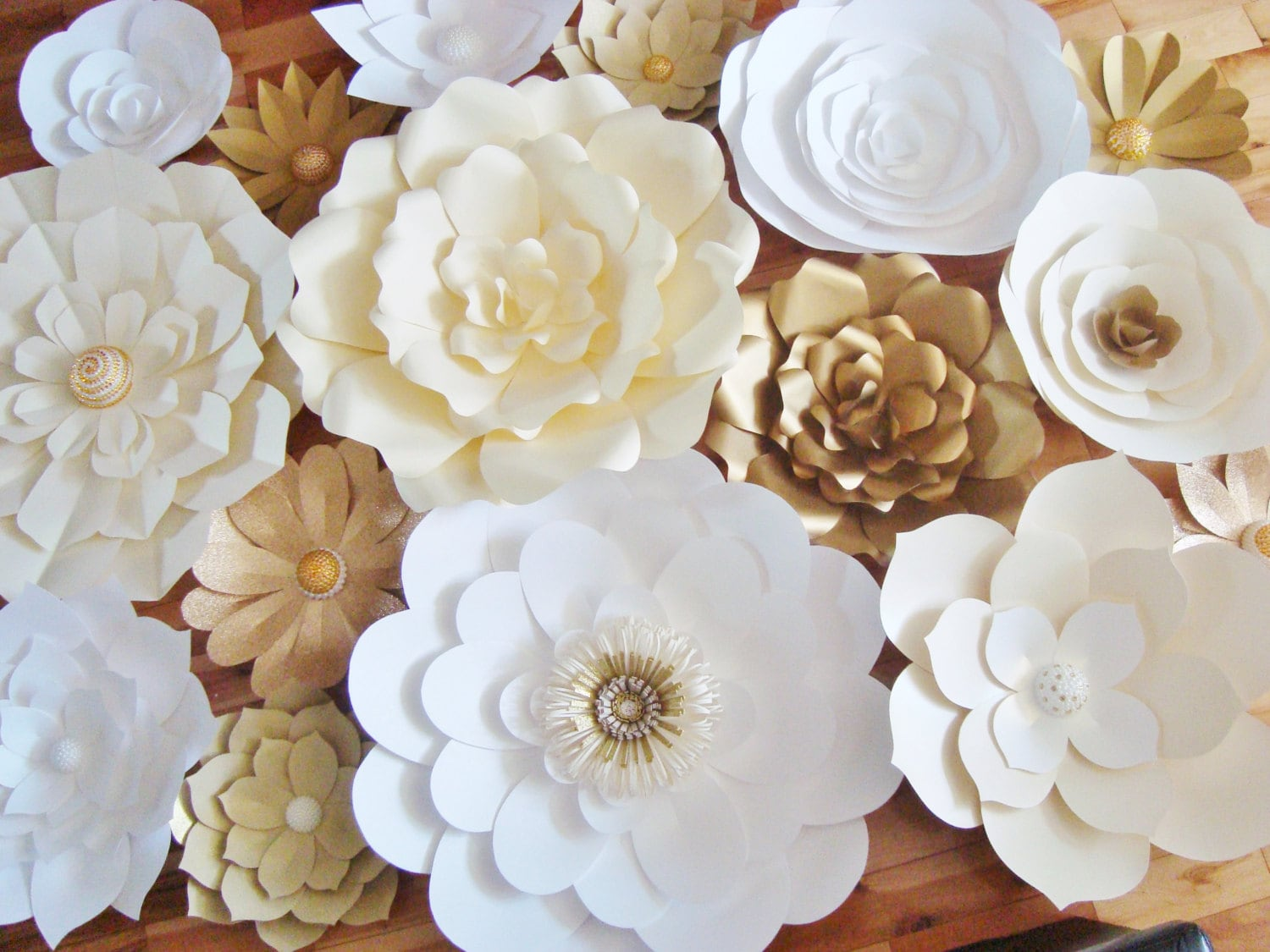 Diy paper flower backdrop set of 30 paper flowers paper for Flower decoration made of paper