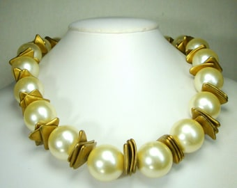 Large White Pearl Necklace, White Lustered 20mm Rounds  Alternating w Metallic Matte Gold Layered Triangle Beads,  Glam Hollywood