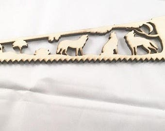 Wooden Wildlife saw wall hanging