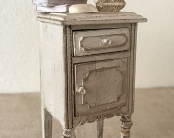 Dollhouse Miniature Bedside Table in 1:12 scale