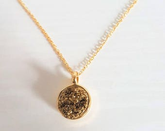 Druzy Pendant Necklace in 16k Gold
