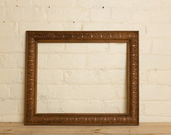 Antique Picture frame, wood, carved, old, gallery wall, framing, display wall art, pin board, prop, blackboard, picture, framing, wedding