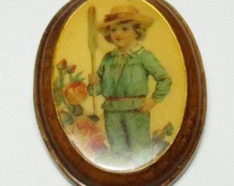 Boy Brooch - Decoupage - Boy Pin - Little Boy - Dandy - Gardener Round wood brooch Vintage brooch boy brooch boy pin young boy