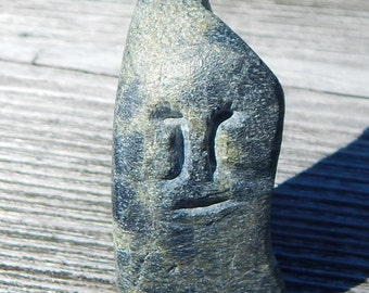 Inuit Art soapstone Carving Head Eva Talooki Aliktiluk 1927-1995  ESKIMO POINT, signed in syllabics