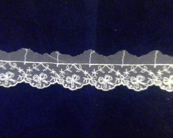 White vintage look lace trim
