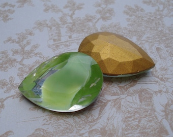 Vintage 25x18mm Large Lime Green & Clear Pear/Teardrop Givre Gold Foiled Pointed Back Glass Jewel (1 piece) 1088-LG
